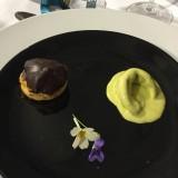Enfilade de chou pistache, sureau et chocolat