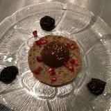 Petite crêpe et sorbet au chocolat noir pruneaux marinés
